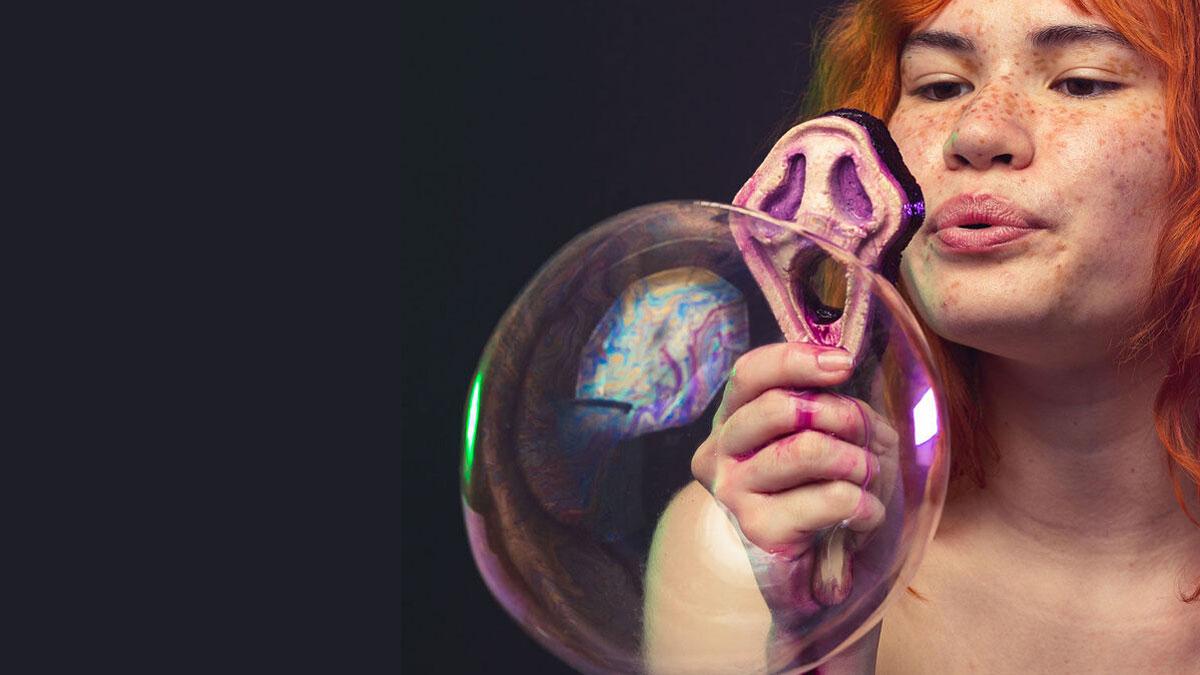 Screamo Cherry-Scented Bubble Blower