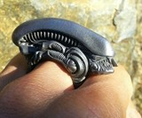 Xenomorph Folding Brass Knuckle Ring