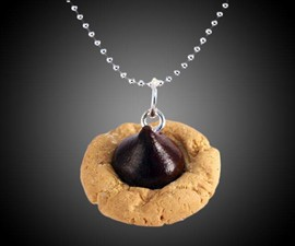 Scented Peanut Butter Blossom Necklace