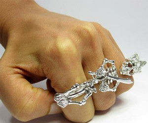Skeleton King Triple Knuckle Ring