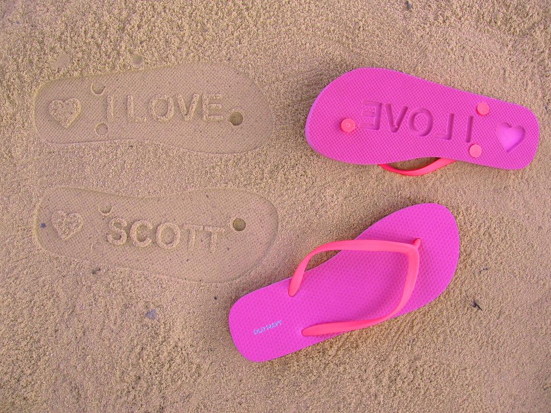 how to make sand imprint flip flops